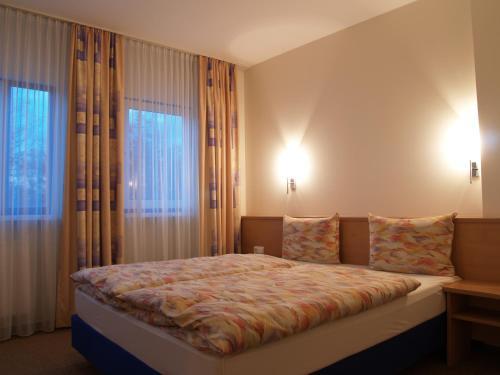 . Hotel Magnet