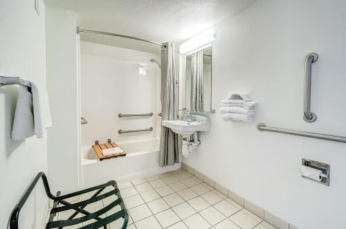 Motel 6 Denver - Thornton - Denver, CO 80221