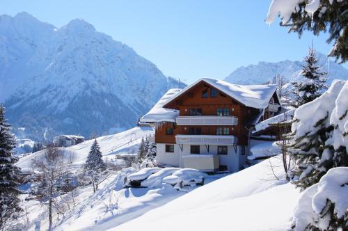 Gästehaus am Berg Kleinwalsertal/Hirschegg