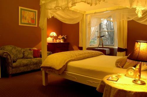 Broomelea Bed And Breakfast