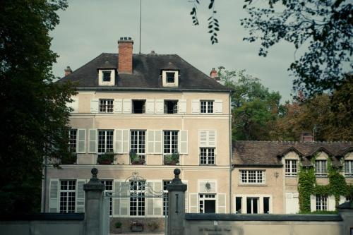 Le Chateau De La Vierge