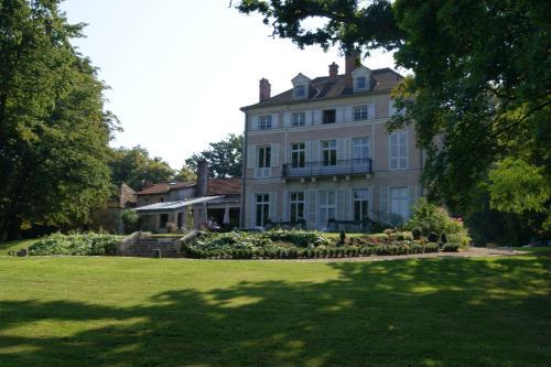 Le Chateau De La Vierge (B&B)