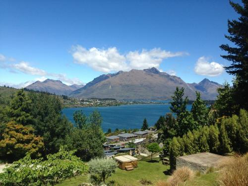Pencarrow Luxury Lodge - Accommodation - Queenstown