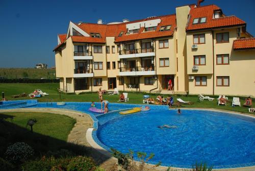 . Oasis Beach Apartments Kamchia