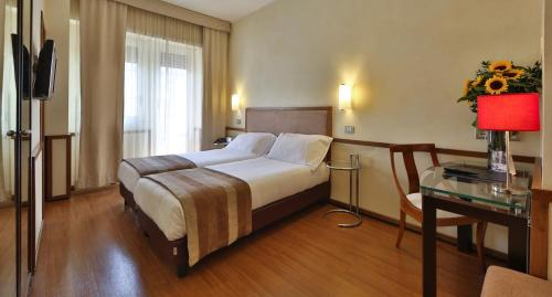Best Western Hotel Piccadilly - image 12
