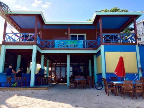 Sandbar Beachfront Hostel Restaurant San Pedro Townambergris