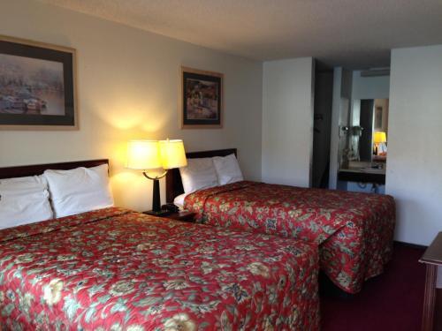 Hometown Inn And Suites Elk City - Elk City, OK 73644