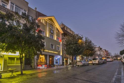 Istanbul Istanbul Holiday Hotel contact