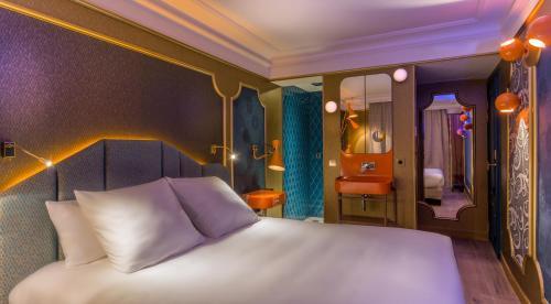 Idol Hotel impression