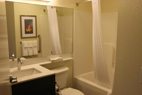 Candlewood Suites Bloomington - Bloomington, IN 47404
