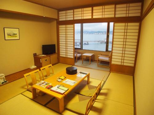 Japanese-Style Family Room with Shared Bathroom - Non-Smoking