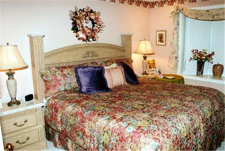 Toad Hall Manor Bed And Breakfast - Butte, MT 59701