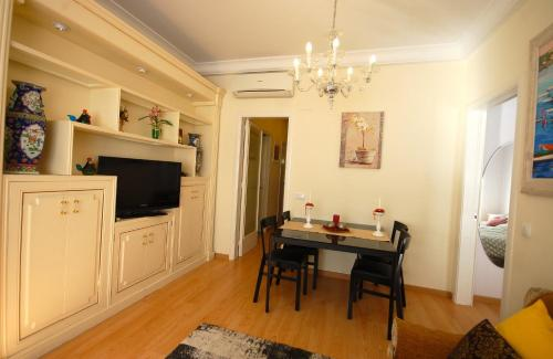 Lets Holidays Centric Apartment in Barcelona photo 5