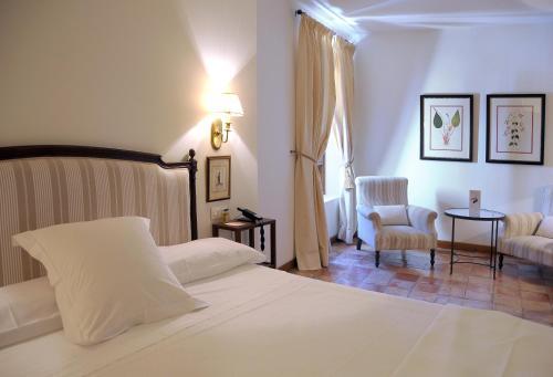 Comfort Double Room Hotel Puerta de la Luna 5