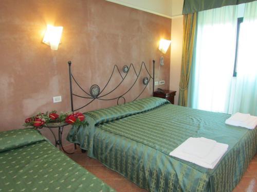 Emmaus Hotel room photos