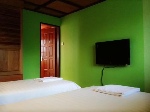 Deluxe Twin Room with Ensuite