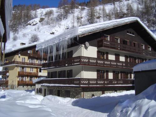 . Hotel Le Genepy