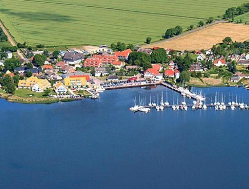 . Hotel- & Ferienanlage Kapitäns-Häuser Breege