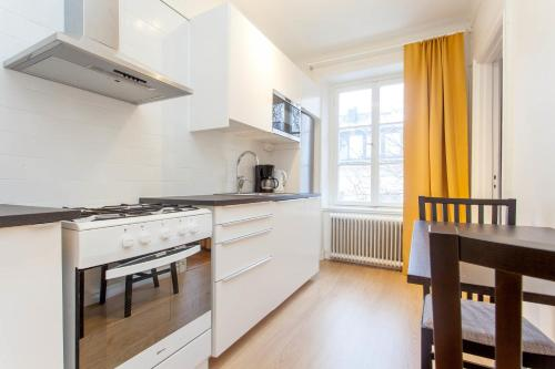 ApartDirect Sveavägen photo 43