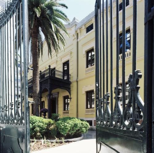 Calle Solarillo de Gracia, 1, 18002, Granada, Spain.