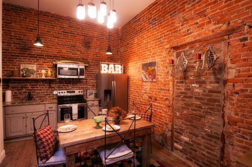 Soho Lofts Bed and Breakfast - Adults Only