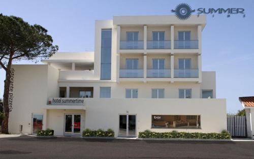 . Summertime Hotel