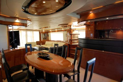 Leigh Yacht photo 4
