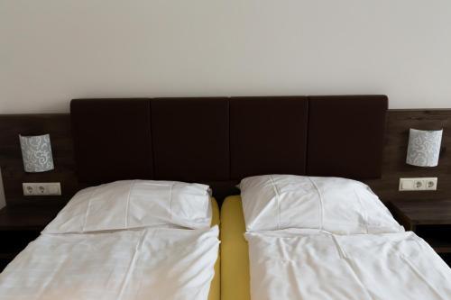 Фото отеля Hotel Vinothek Schwarzer Adler