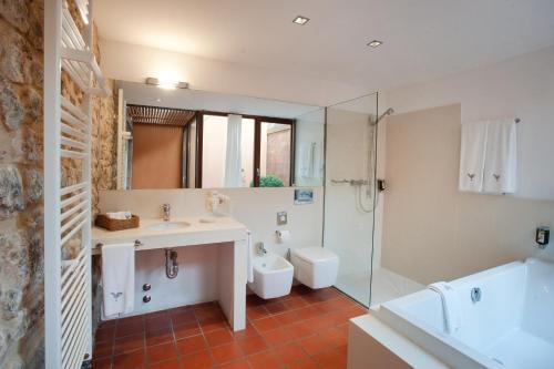 Suite Junior con acceso gratuito al spa Mas Falgarona Hotel Boutique & SPA 11