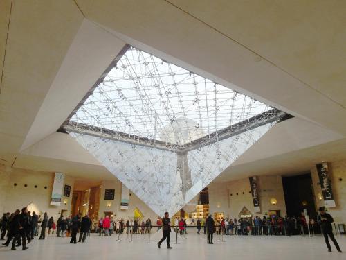 Chambre d hôte : Louvre Elegant Apt Suite photo 21