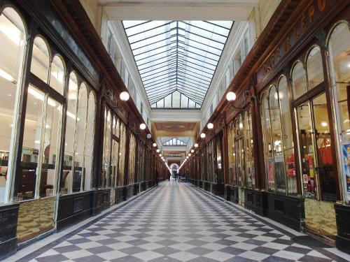 Chambre d hôte : Louvre Elegant Apt Suite photo 23
