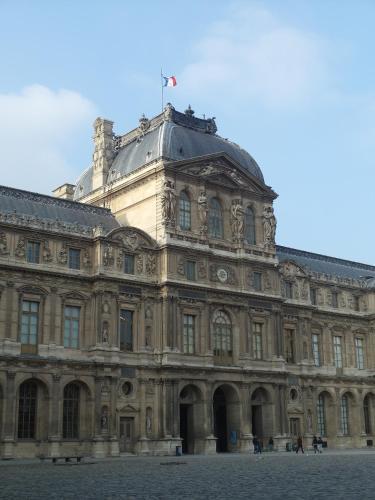 Chambre d hôte : Louvre Elegant Apt Suite photo 26