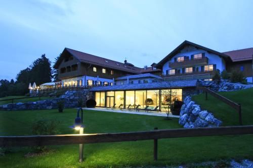 . Hotel Auf der Gsteig GmbH