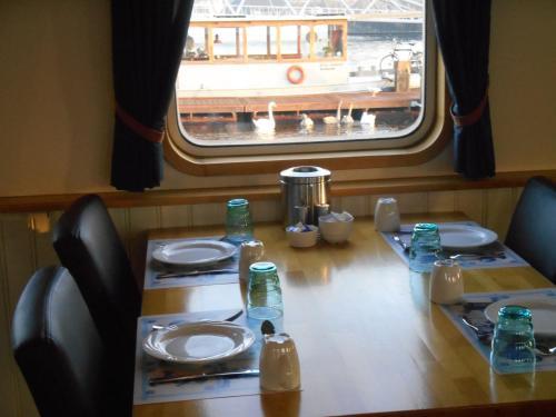 Hotelboat Iris photo 13
