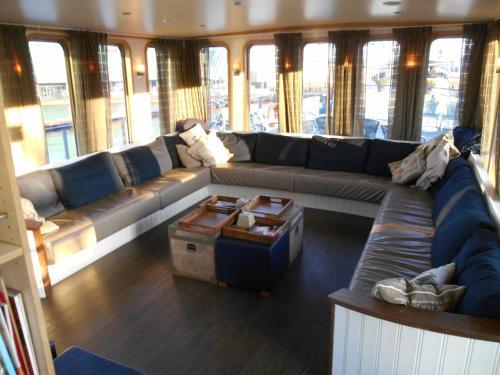 Hotelboat Iris photo 6
