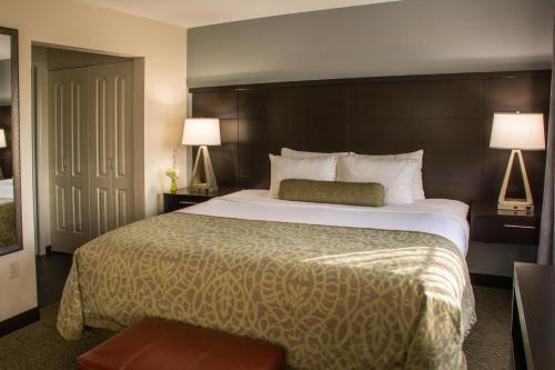 Staybridge Suites Schererville - Schererville, IN 46375