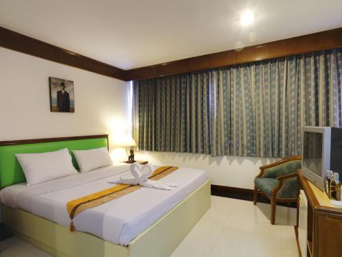 Silom Avenue Inn photo 22