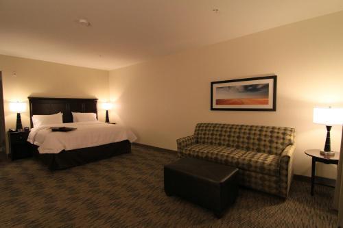 תמונות לחדר Hampton Inn & Suites Airdrie