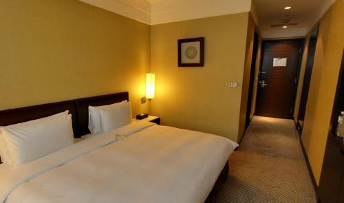 Taipei International Hotel стая снимки