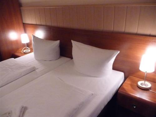 Hotel-Pension Rheingold am Kurfürstendamm photo 14