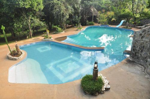 Naiberi River Campsite & Resort
