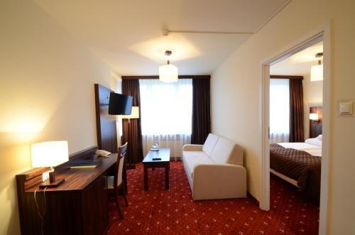 Hotel PZMot Główne zdjęcie