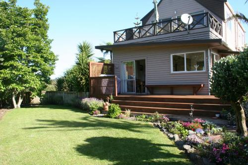Whitianga B&B - Adults Only