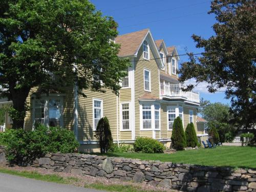 Louisbourg Harbour Inn - Accommodation - Louisbourg