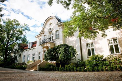 . Pałac Zdunowo