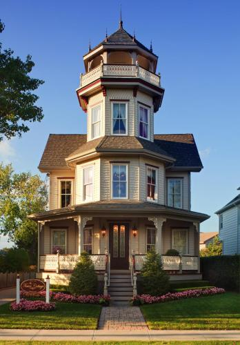 The Tower Cottage Bed And Breakfast - Point Pleasant Beach, NJ 08742