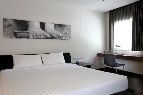 S33 Compact Sukhumvit Hotel photo 47