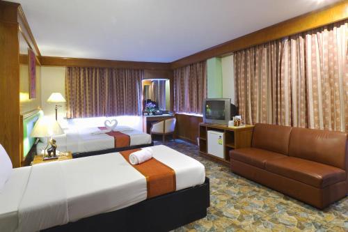 Silom Avenue Inn photo 24