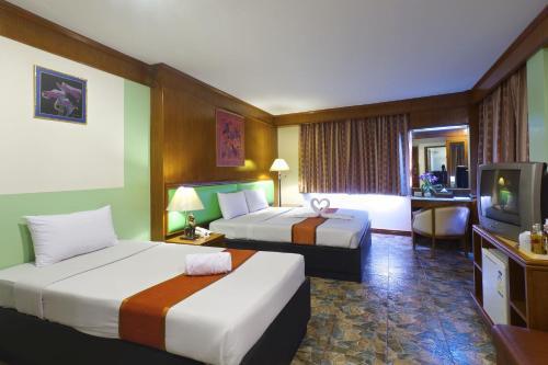Silom Avenue Inn photo 25