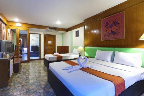 Silom Avenue Inn photo 27